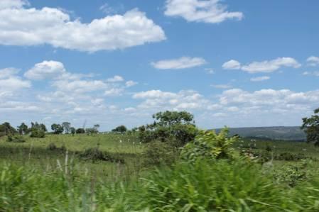 Estrada entre Luziânia e Cristianópolis (GO)