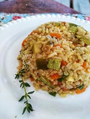 Arroz com quinoa e legumes